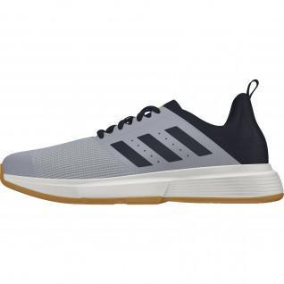 Chaussures adidas Essence Indoor